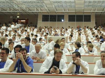 Spitalsärzte - Wiener KAV: Ärztekammer stellt neue Forderungen auf