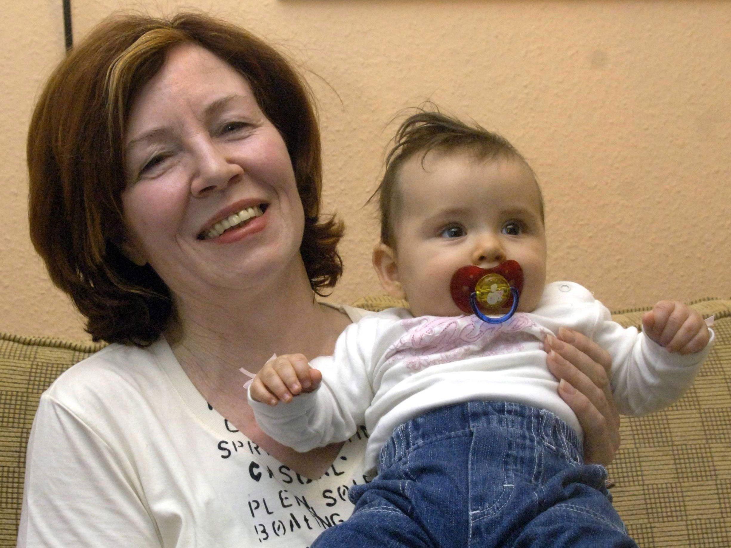 Rund 14 Wochen zu früh hat die 65-jährige Annegret R. ihre Vierlinge zur Welt gebracht.