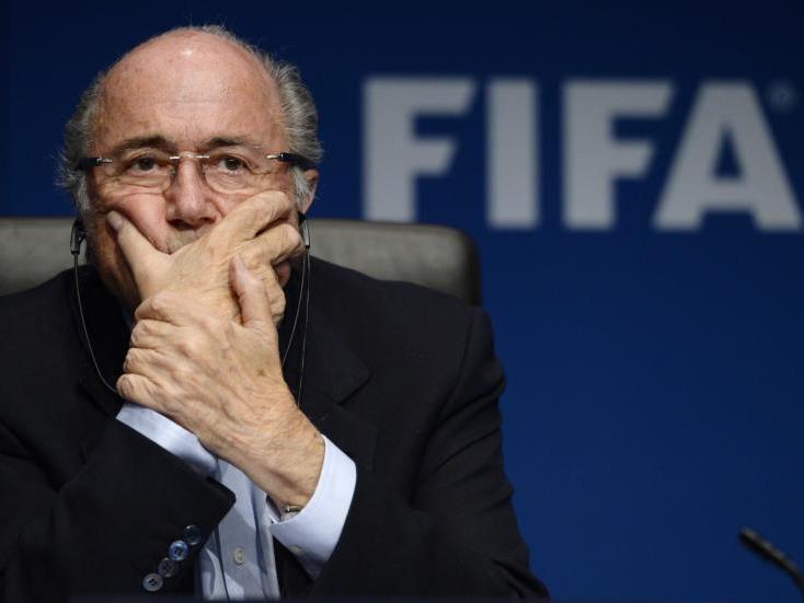 Blatter gerät mächtig unter Druck
