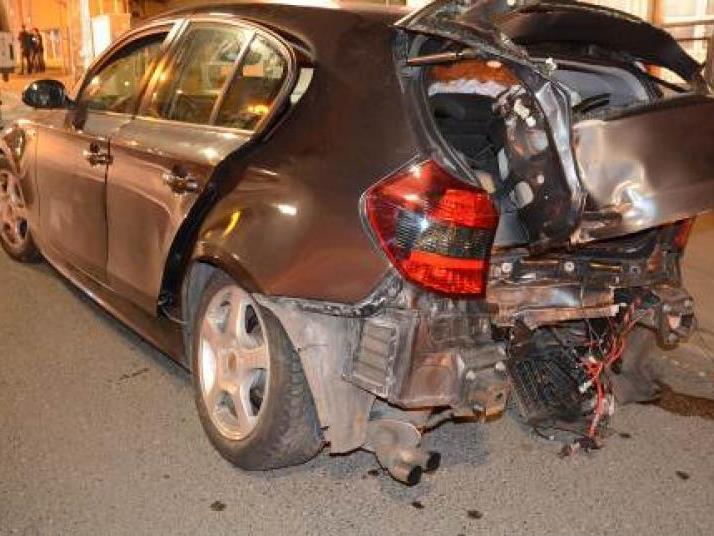 Fünf Verletzte und ein Totalschaden waren das Ergebnis der Spritztour.
