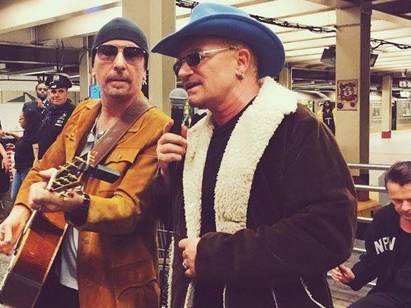 """U2-Auftritt mit Jimmy Fallon im Rahmen von Aufnahmen für die """"Tonight Show""""."""