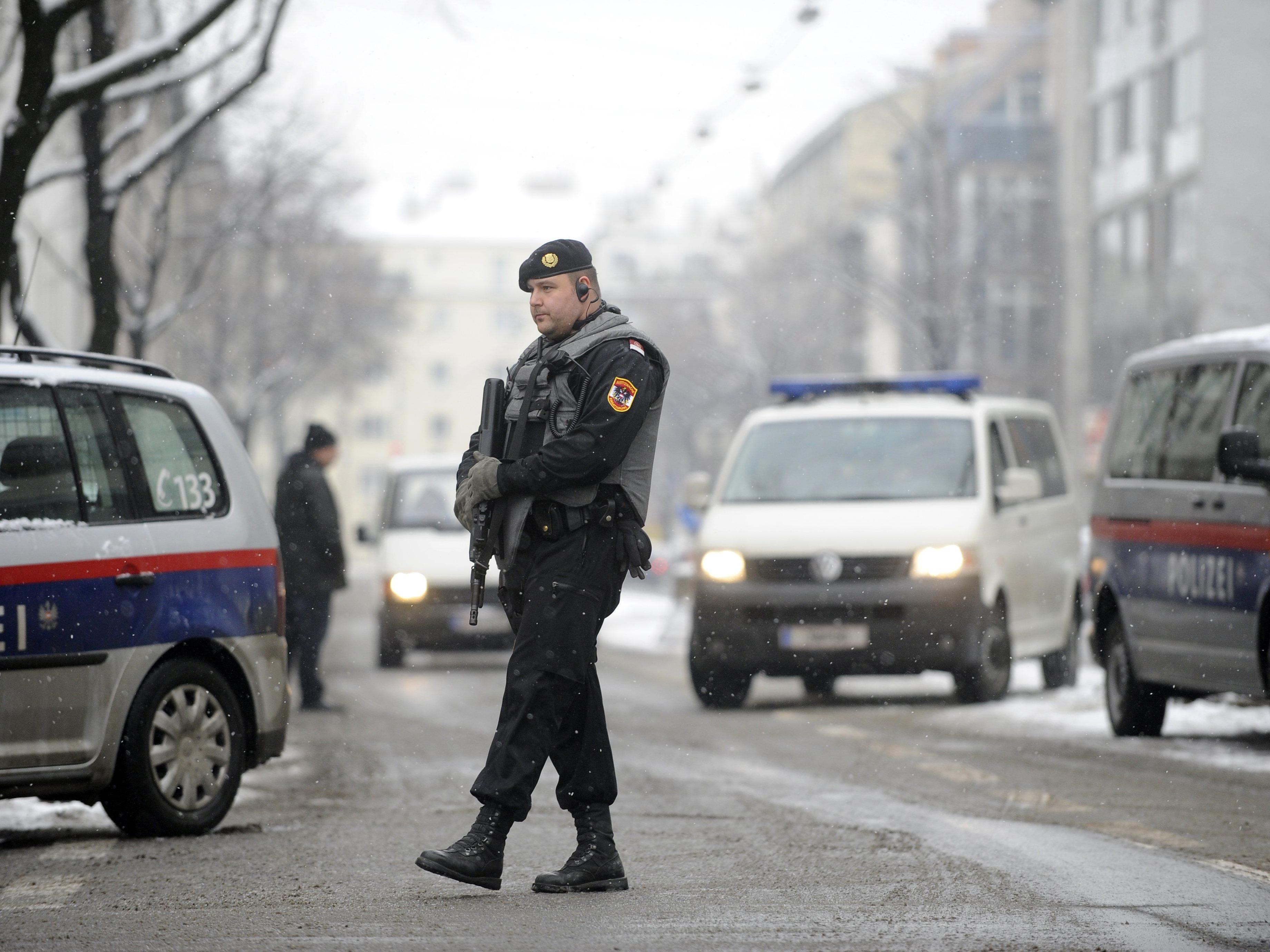 Beim Lokalaugenschein nach dem Mord an Israilov.