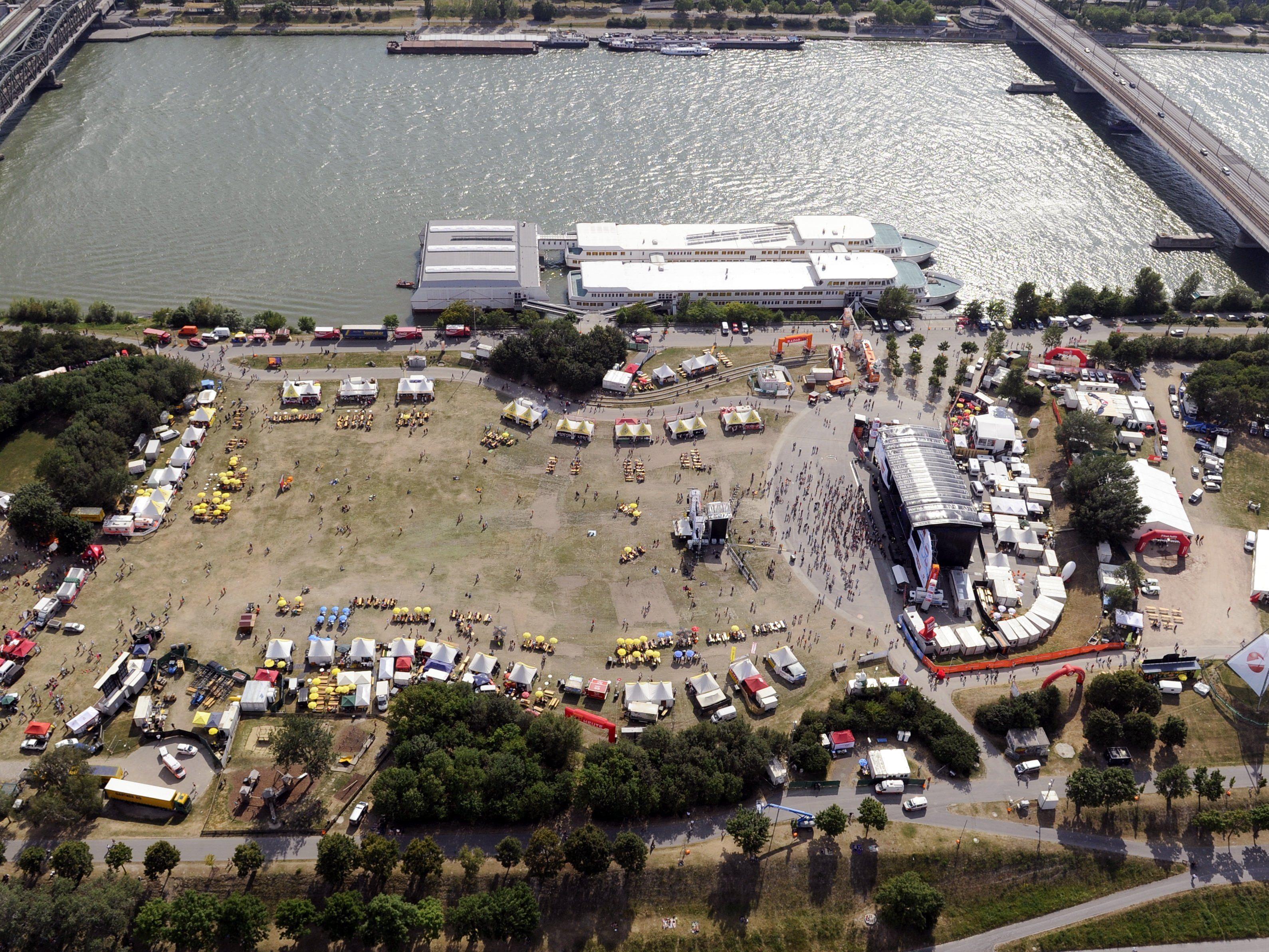 Donauinsel in Wien: Hier finden Sie alle Fotos zum Donauinselfest 2015.