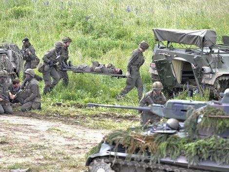 Bei einer Übung des österreichischen Bundesheers am Truppenübungsplatz Allentsteig