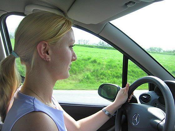 Wer lange im Auto sitzt, muss einiges wissen und beachten