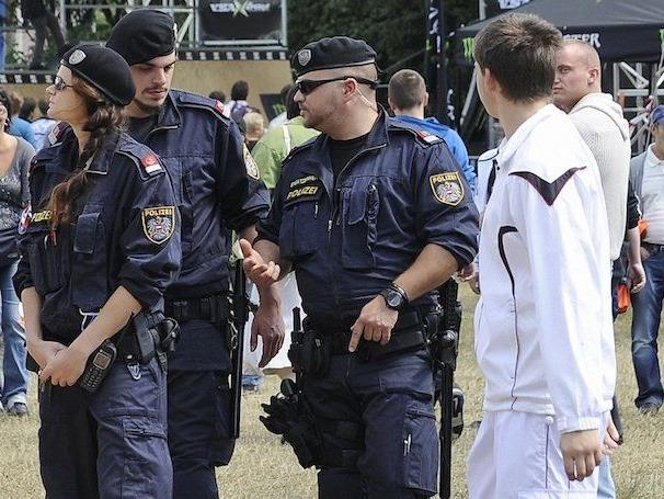 Beim Donauinselfest wurde ein Polizist angeblich attackiert