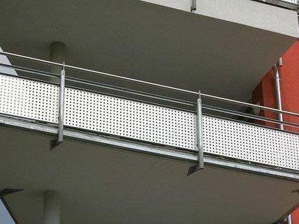 In Floridsdorf stürzte ein Kleinkind von einem Balkon