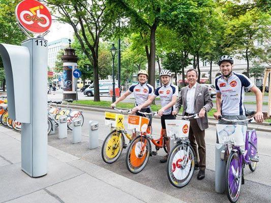 Vier Radler sind mit Citybikes von Bregenz nach Wien gefahren.