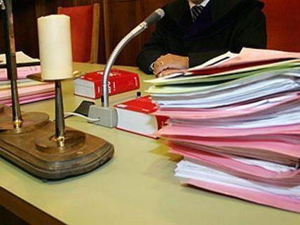 rteil des Landesgerichts Wiener Neustadt nicht rechtskräftig