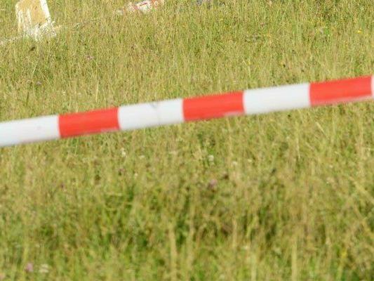 Die 31-Jährige lag tot im Gras.