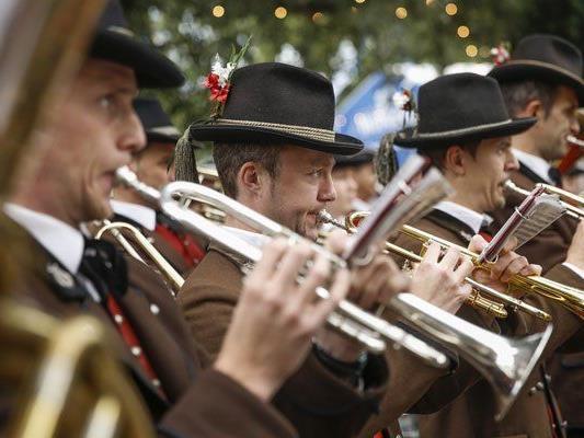 Blasmusik beim Wiesn-Fest in Wien