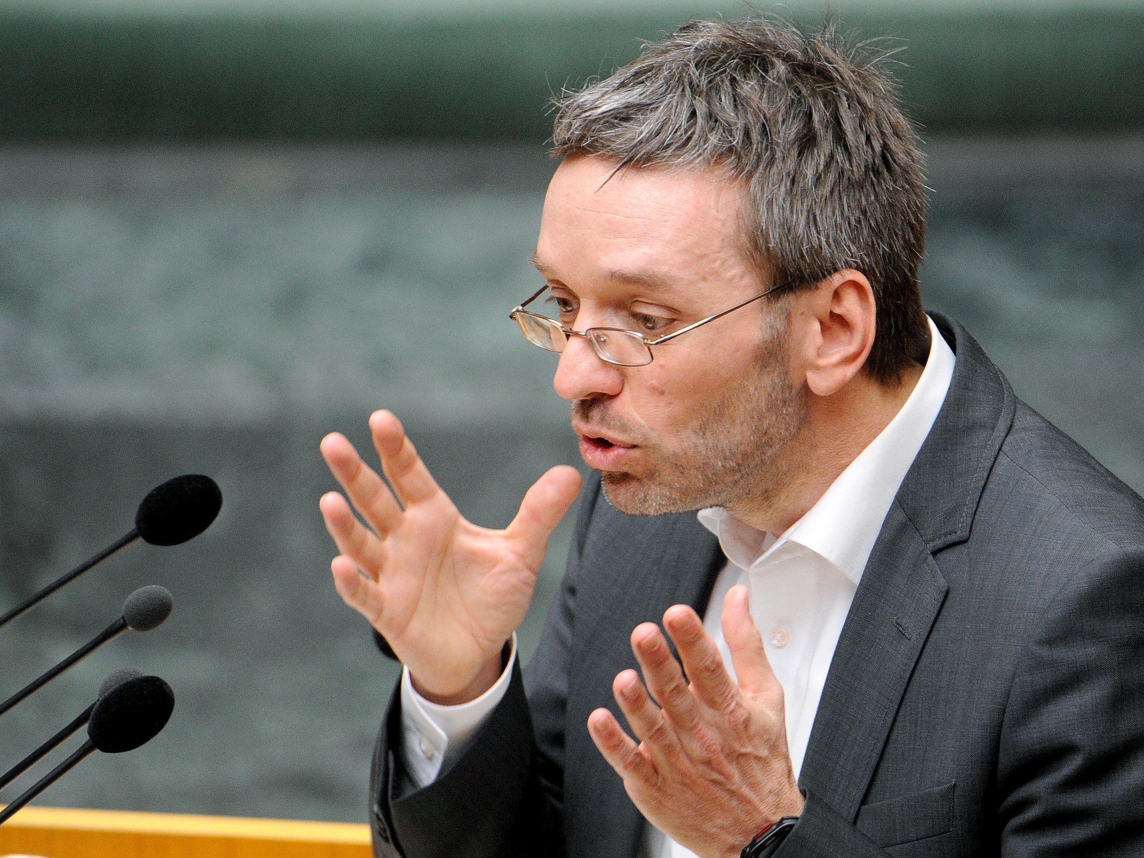 Herbert Kickl fordert Ermittlungen wegen Amtsmissbrauchs.