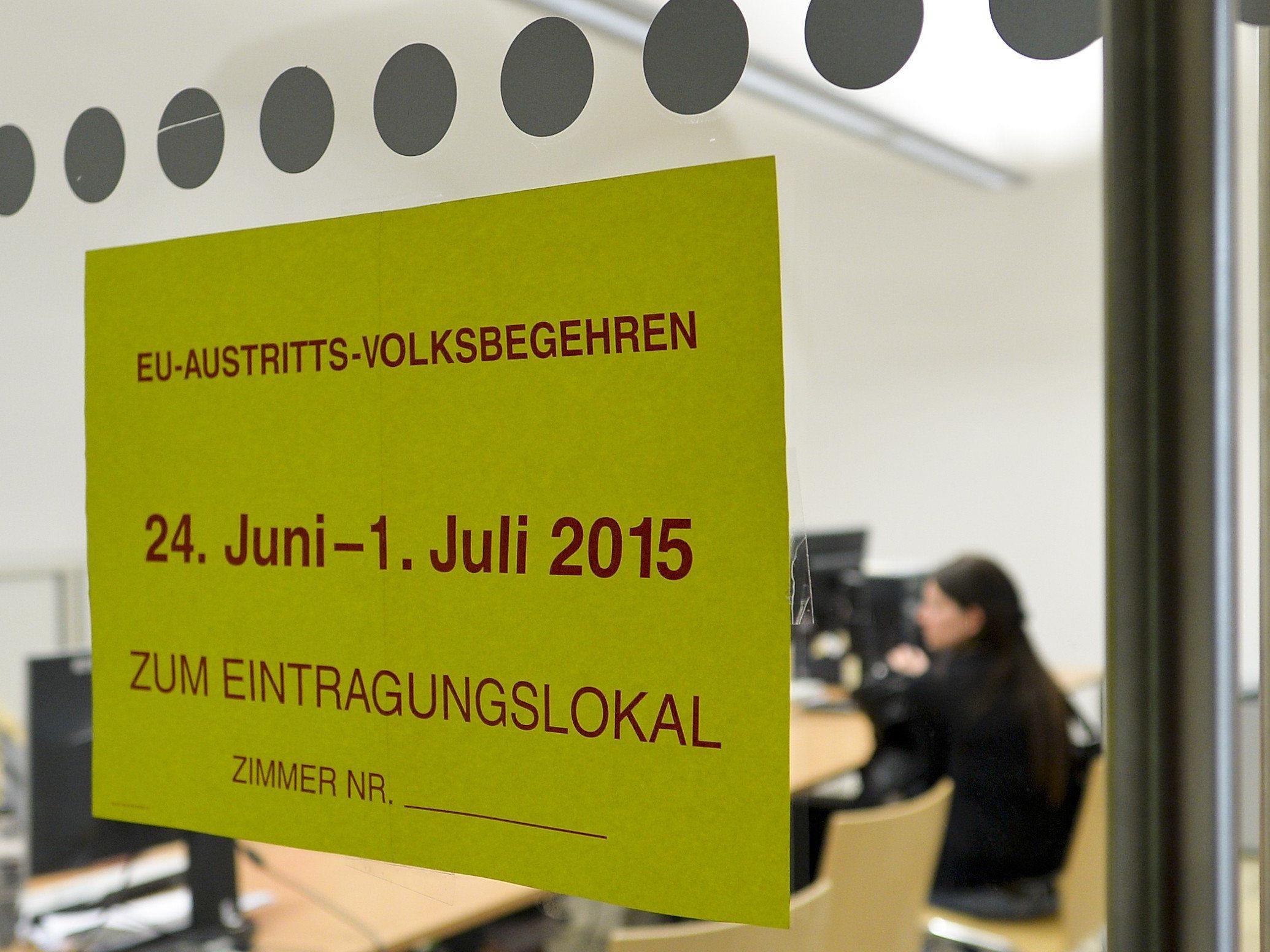 Mehr als 260.000 Österreicher unterzeichneten das Volksbegehren zum EU-Austritt.