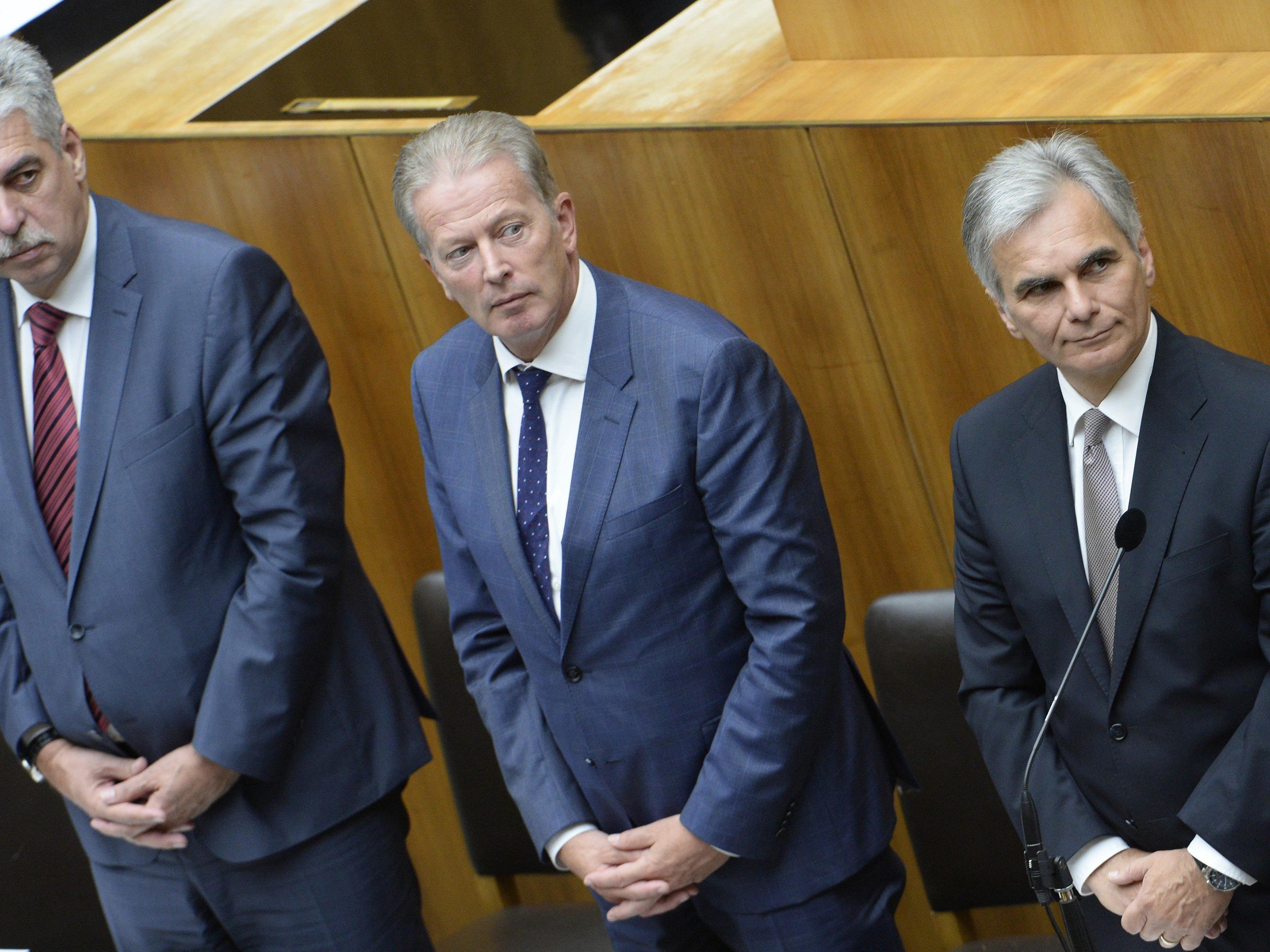 inanzminister Hans Jörg Schelling, Vizekanzler Reinhold Mitterlehner und Bundeskanzler Werner Faymann.