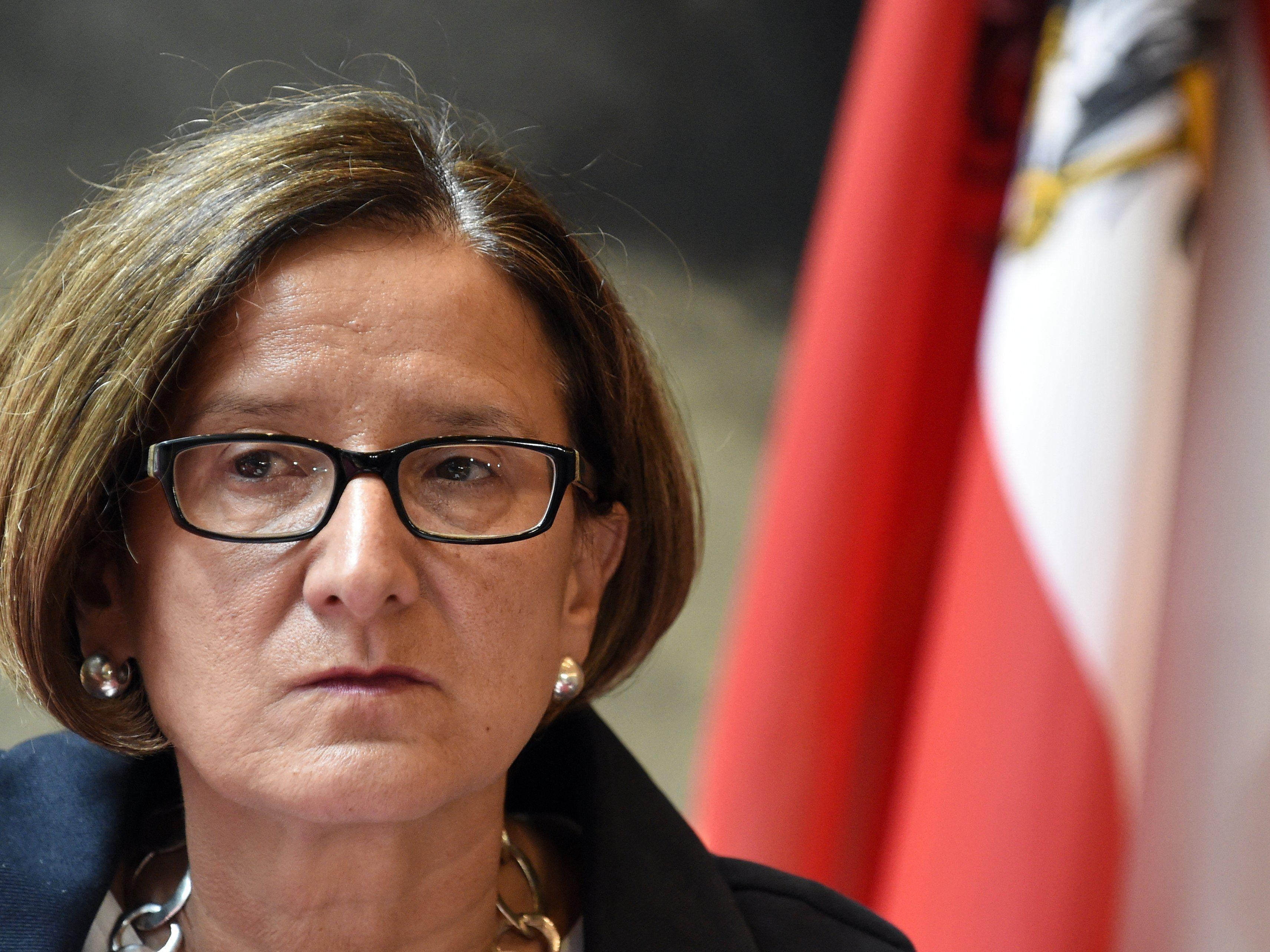 nenministerin Johanna Mikl-Leitner wird in Sachen Asyl heftig kritisiert