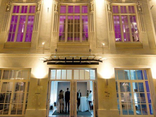 VIENNA.at verlost 1x2 Tickets für die imperiale Dinnershow in den Sofiensälen.