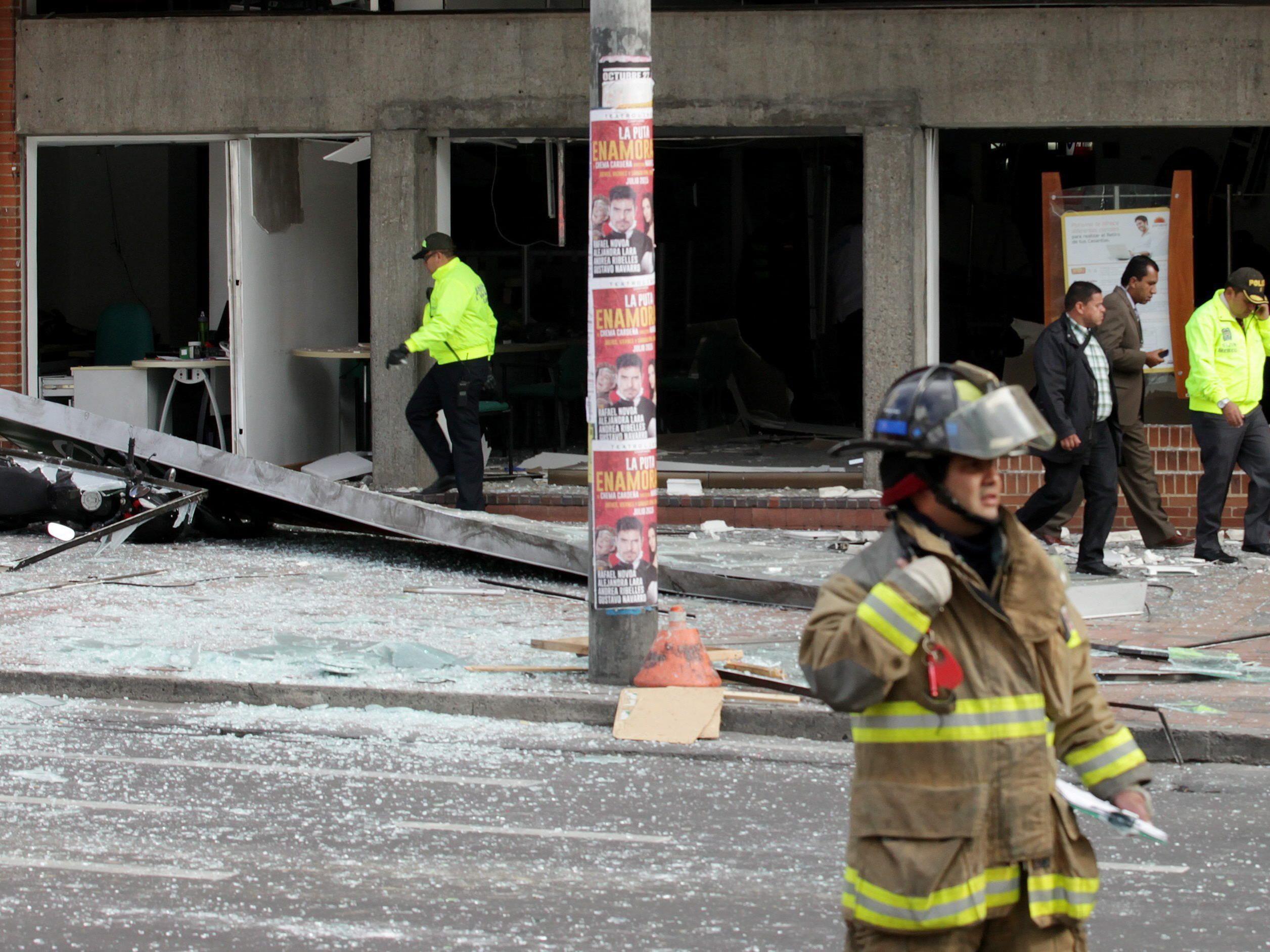 Bei einem Anschlag in Bogota wurden mehrere Menschen verletzt.