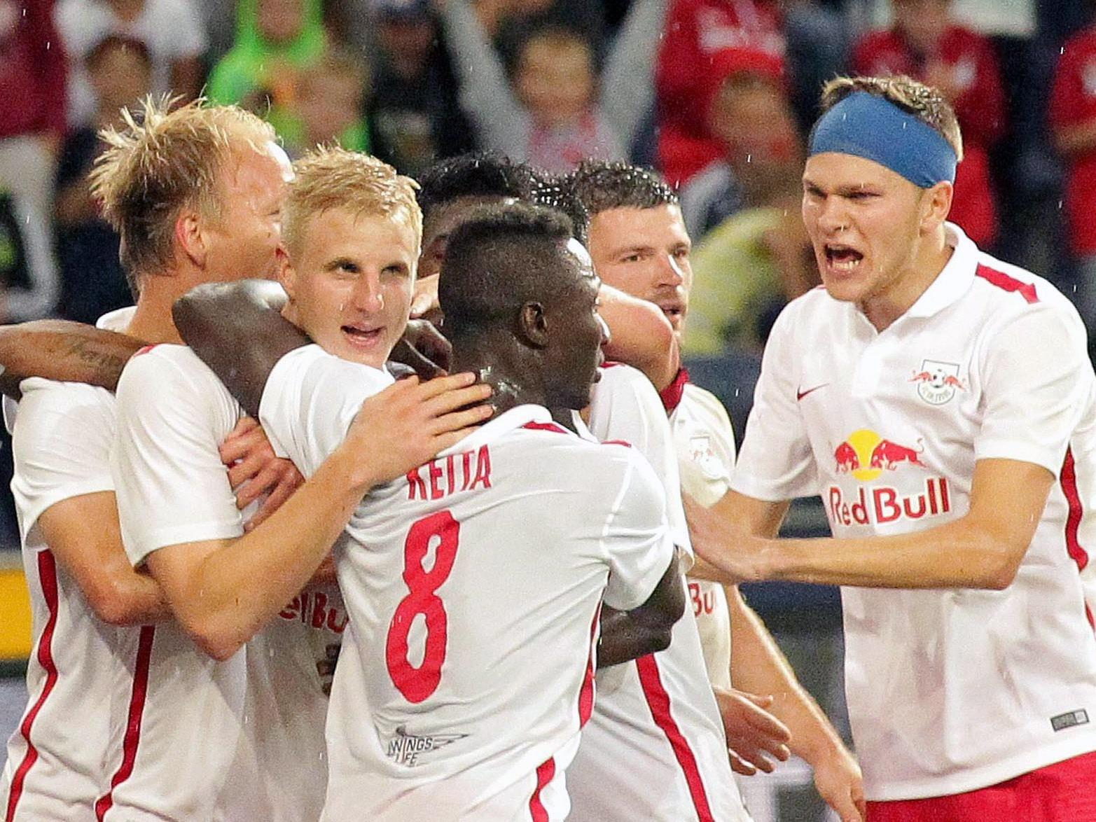 Salzburg freut sich in der Champions League über einen 2:0-Sieg über Malmö.