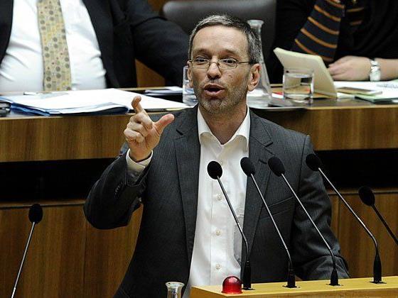 Kickl ist mit fünf Ordnungsrufen der meistverwarnte Abgeordnete 2015