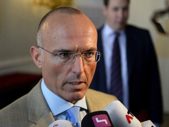 BK Gerald Klug (SPÖ) will Bundesheer-Karrieren einschränken