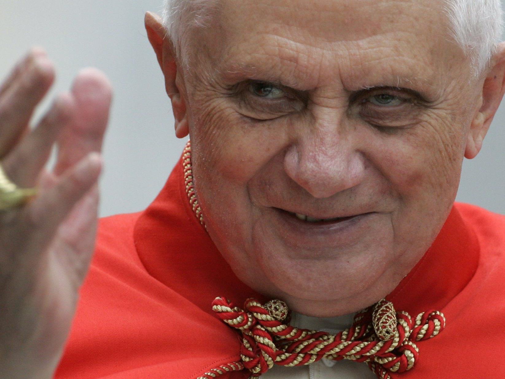 Den ehemaligen Papst Benedikt XVI. gibt es jetzt auch als Kondom-Bild.