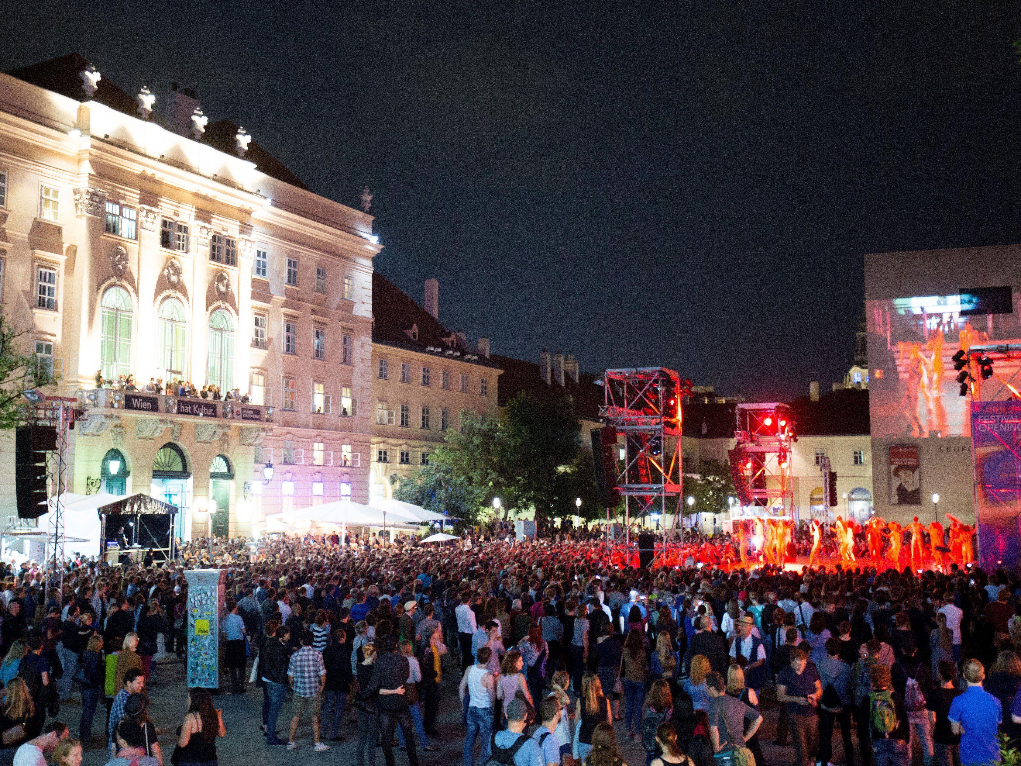 Blick auf die Eröffnung des ImPulsTanz-Festivals gestern im Wiener Museumsquartier.