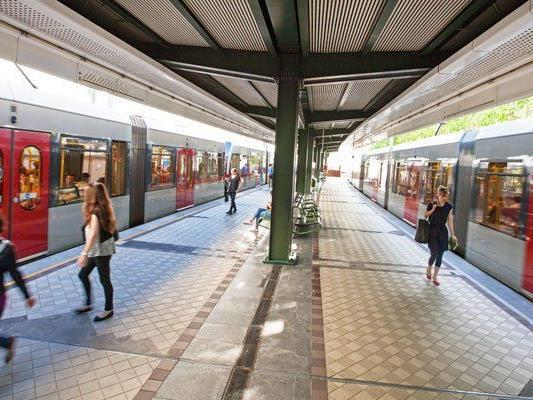 In der Station Michelbeuern kam es zu vier Festnahmen.