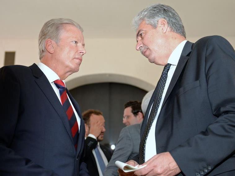 Vizekanzler und Wirtschaftsminister Reinhold Mitterlehner (ÖVP) und Finanzminister Hans Jörg Schelling