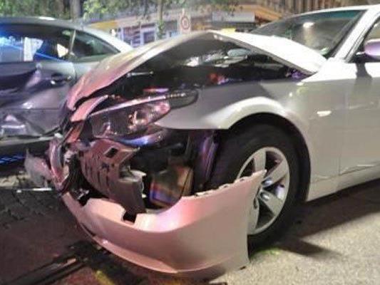 Zwei Personen wurden bei dem Unfall im 16. Bezirk verletzt.
