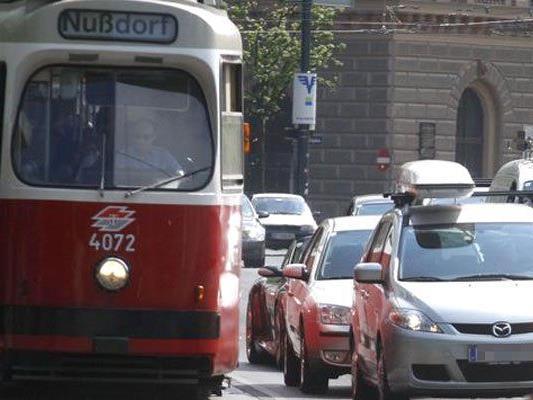 Falschparker sorgen oft für Verzögerungen bei den Öffis.
