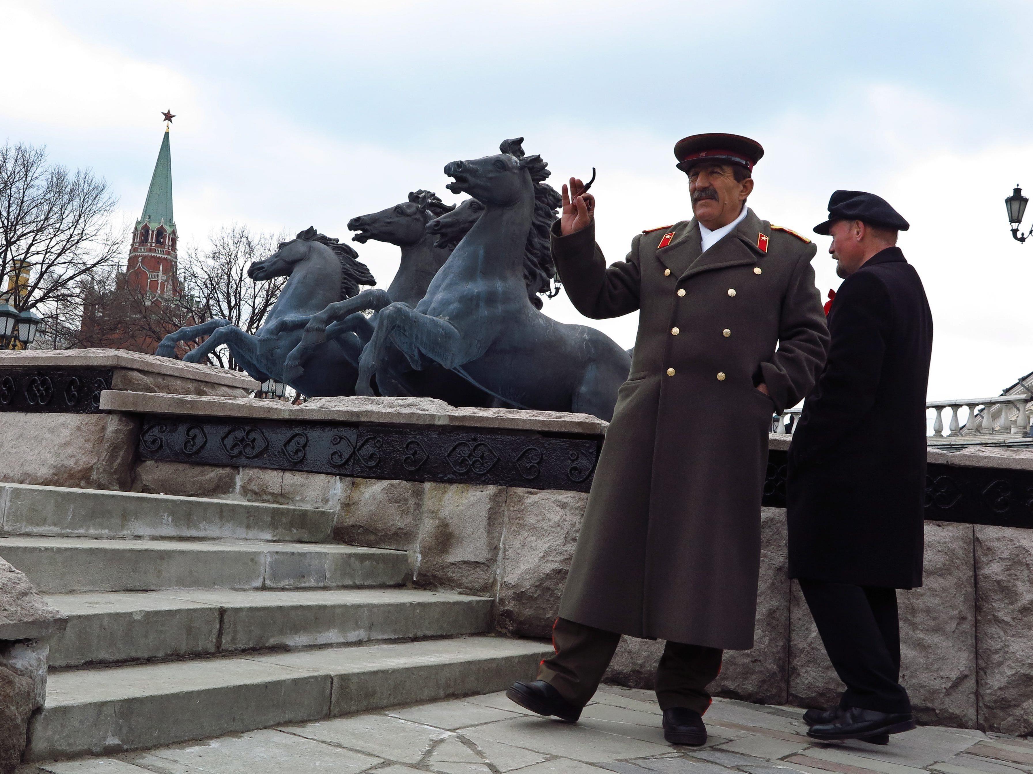 Doubles von Lenin und Stalin sorgen für Schlagzeilen.