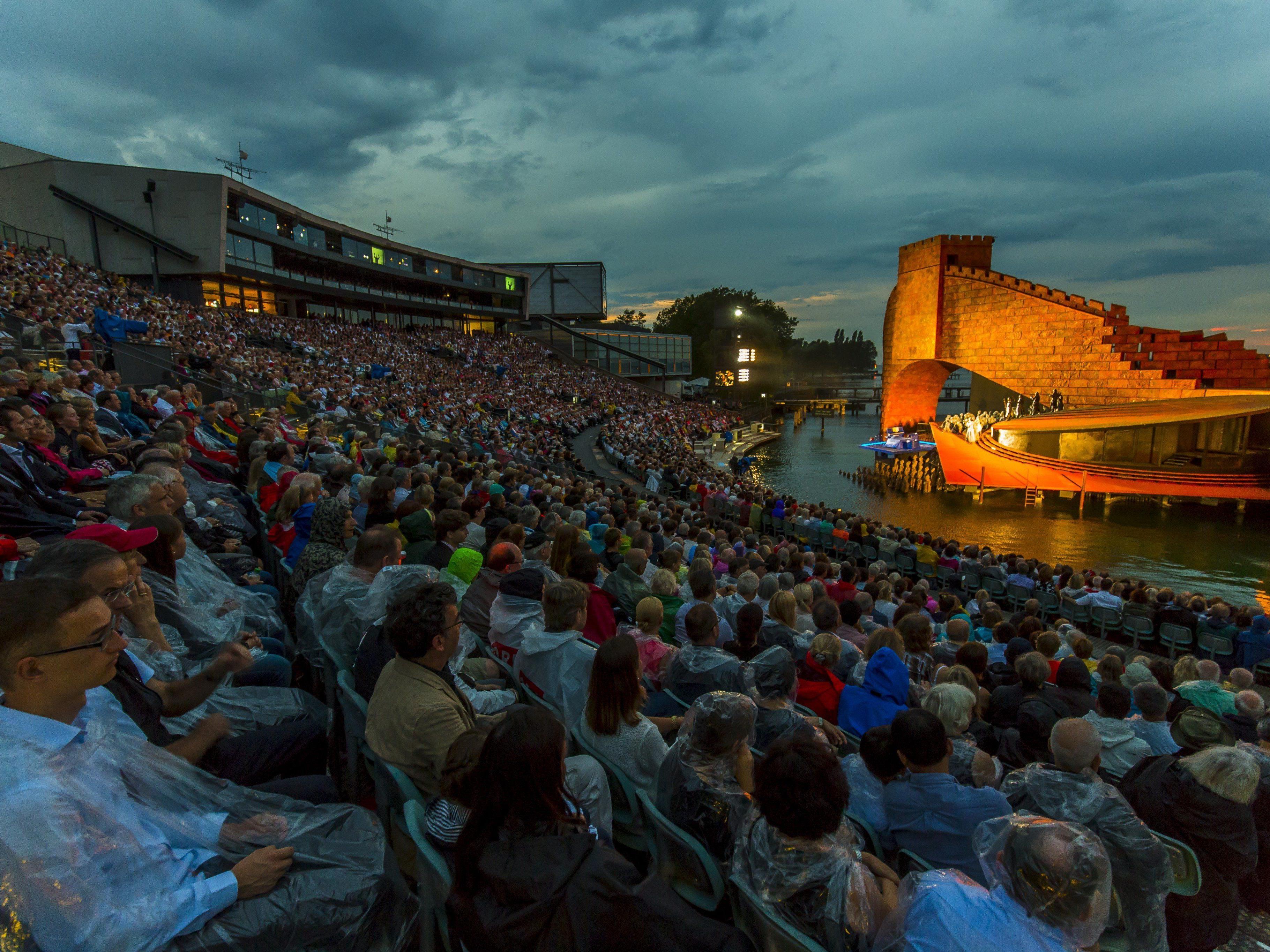 """""""Turandot""""-Vorstellung musste nach 50 Minuten ins Festspielhaus verlegt werden."""