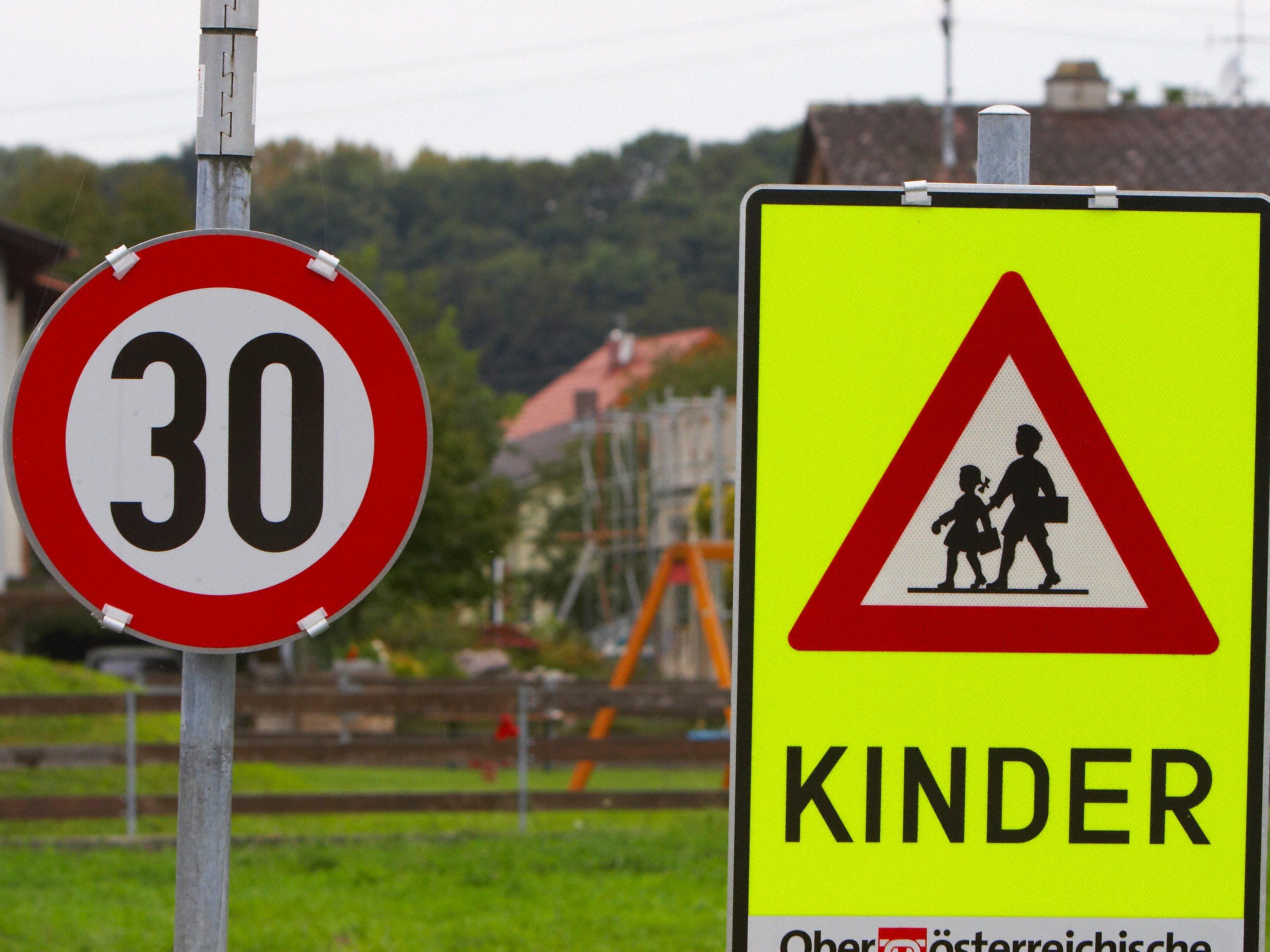 Der Schulweg birgt für Kinder zahlreiche Gefahren im Straßenverkehr.