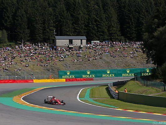 Da war Vettels Welt noch in Ordnung, dann kam der Reifenplatzer