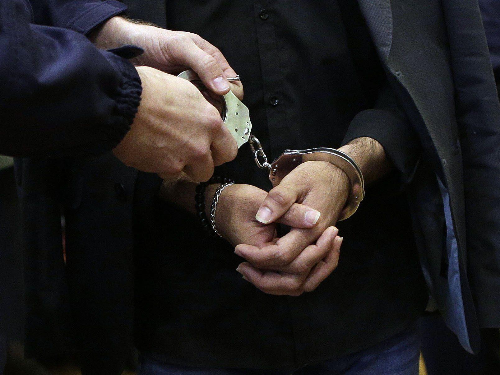 Ganz ohne erotischen Hintergrund klickten für den Erotikshop-Einbrecher die Handschellen.