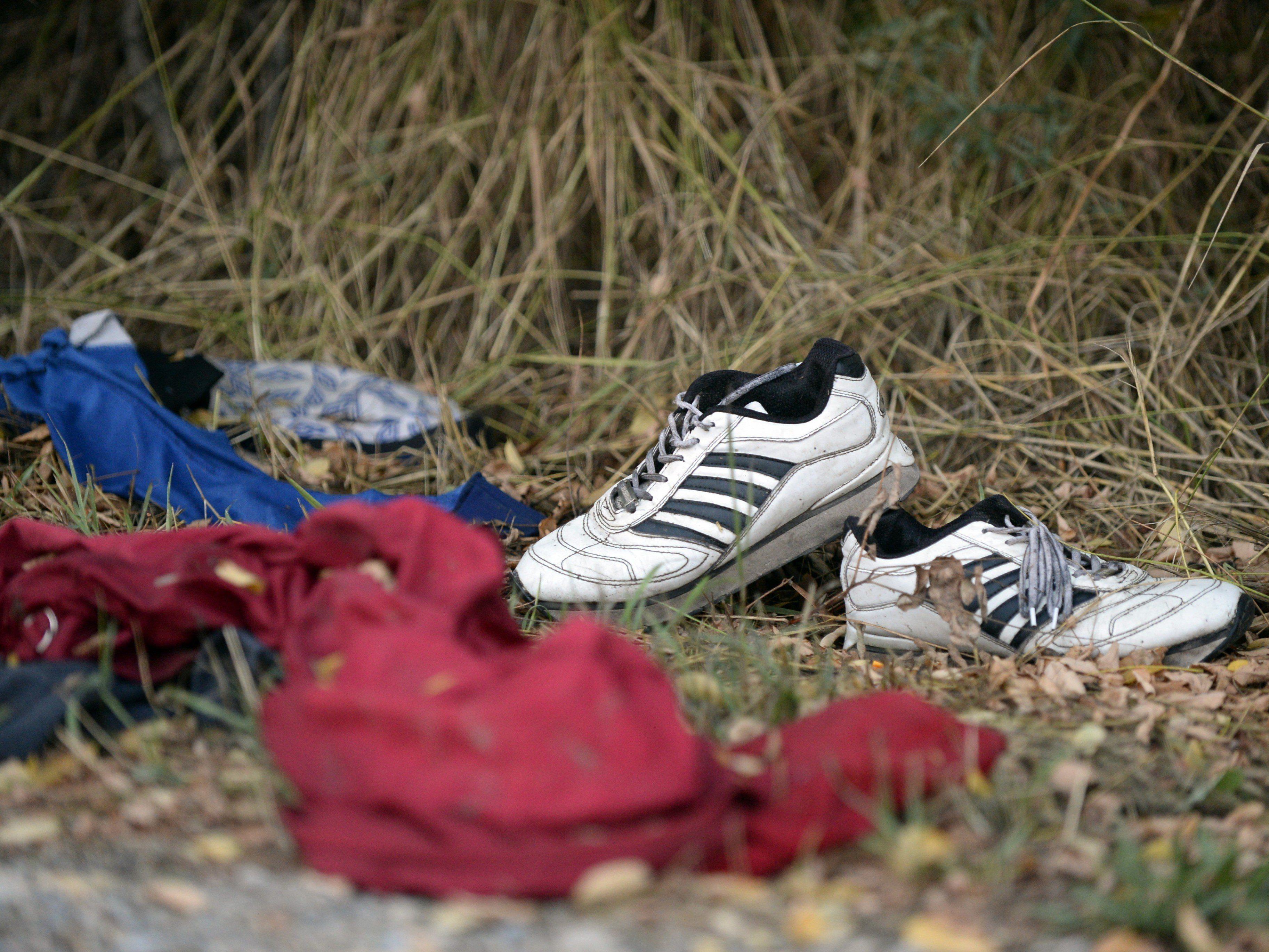 Mehrere tote Flüchtlinge in Schlepperfahrzeug auf A4 entdeckt.