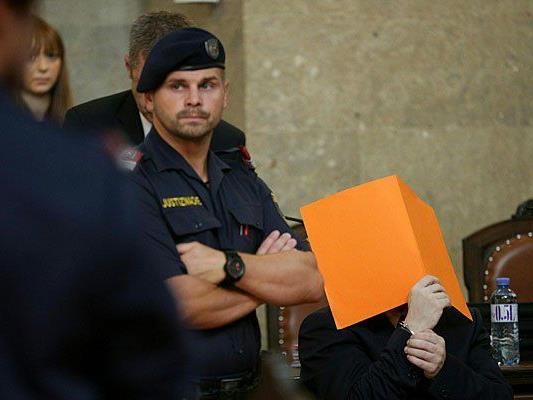 Beim Mordprozess in Wien