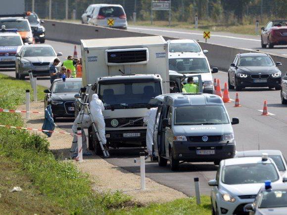Ermittlungen auf der A4 nach dem Flüchtlingsdrama