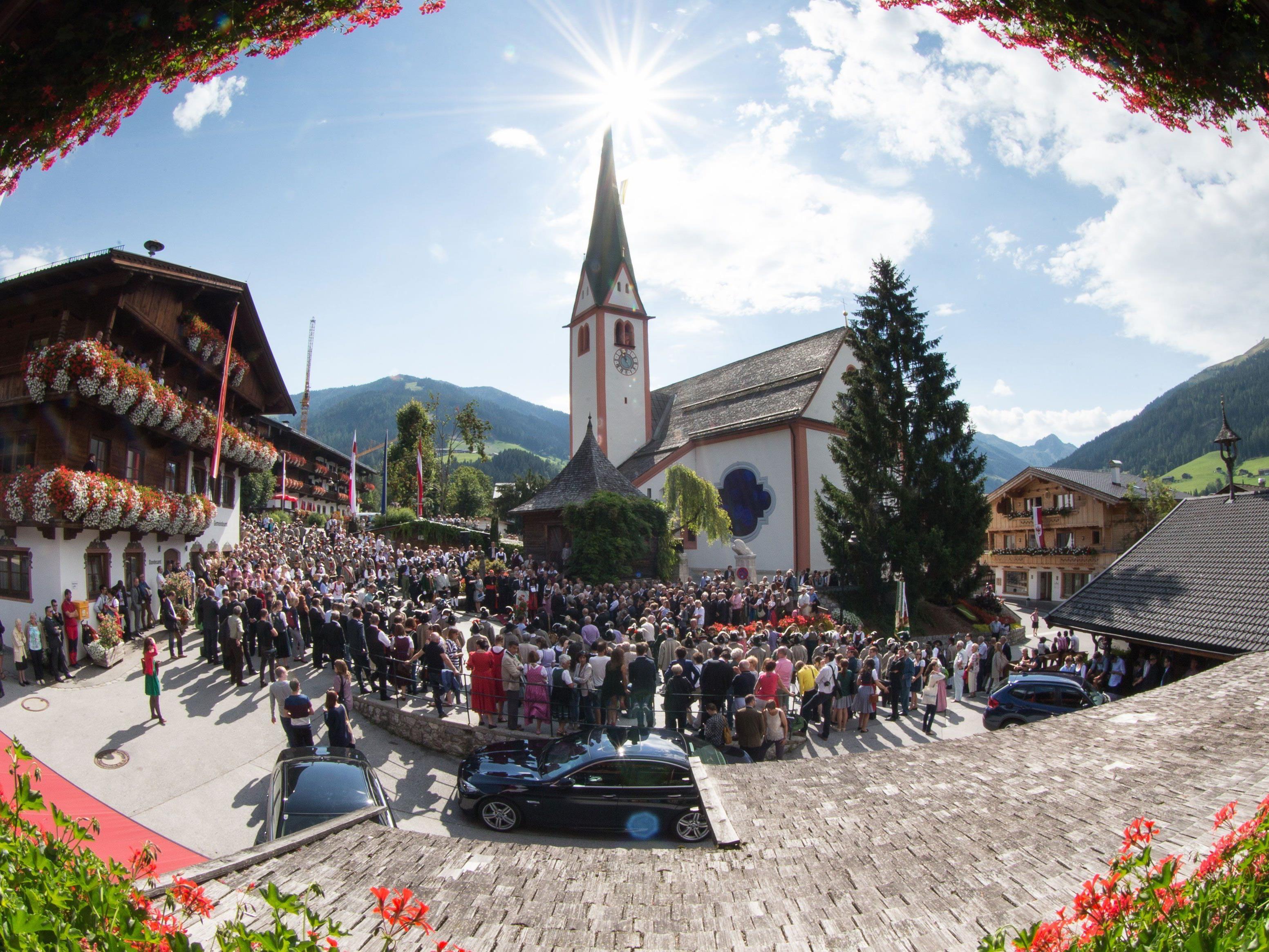 Bild von der Eröffnungszeremonie des Forums Alpbach.