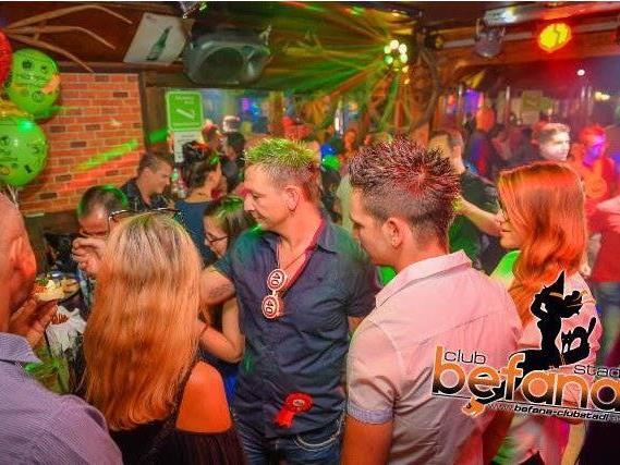 Mit oder ohne Tracht - im Club Stadl Befana ist Party angesagt