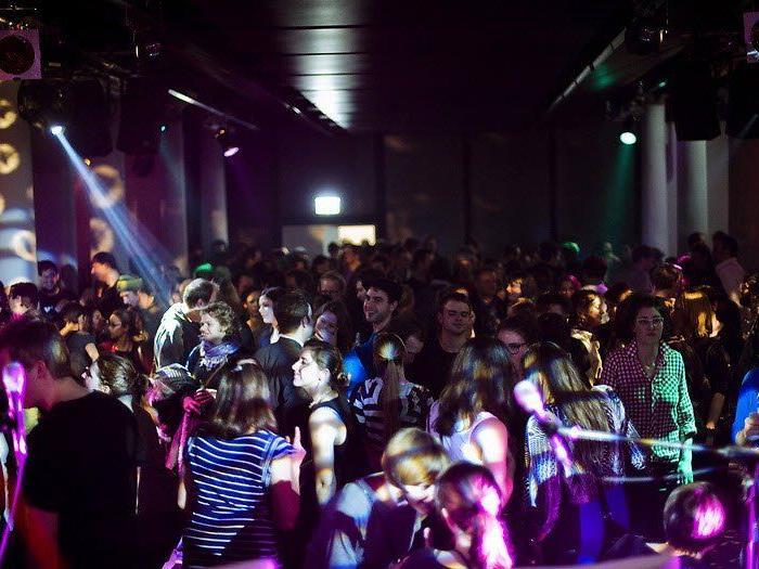 Bunte Parties jedes Wochenende sind im Chaya Fuera garantiert
