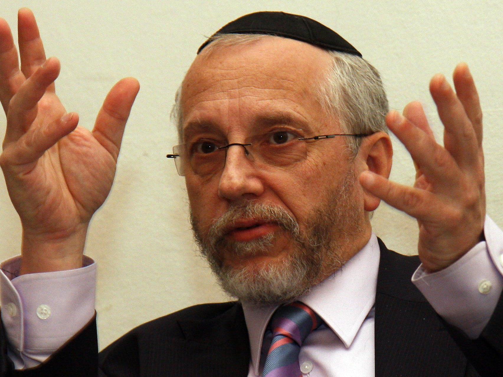 Raimund Fastenbauer von der Israelitischen Kultusgemeinde war mein Hissen der Fahne dabei.