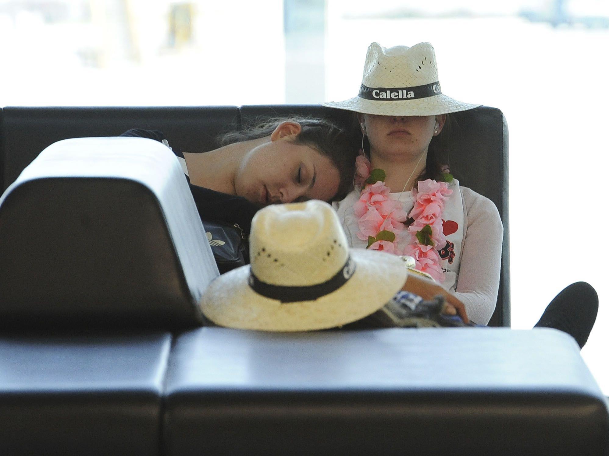 Am Flughafen gestrandet? Bei einer Flugverspätung ab drei Stunden steht Reisenden eine Entschädigung zu.