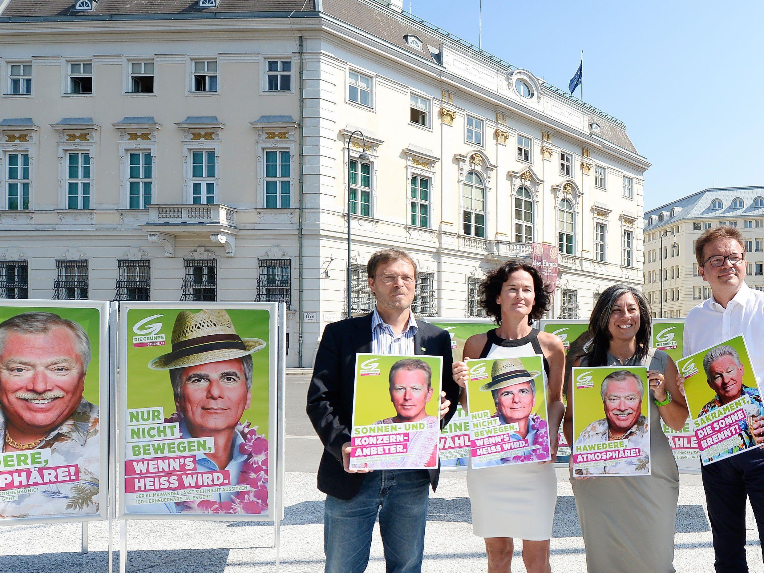 Für ihre Kampagne haben die Grünen Spitzenpolitiker mit Sonnenbrand dargestellt.
