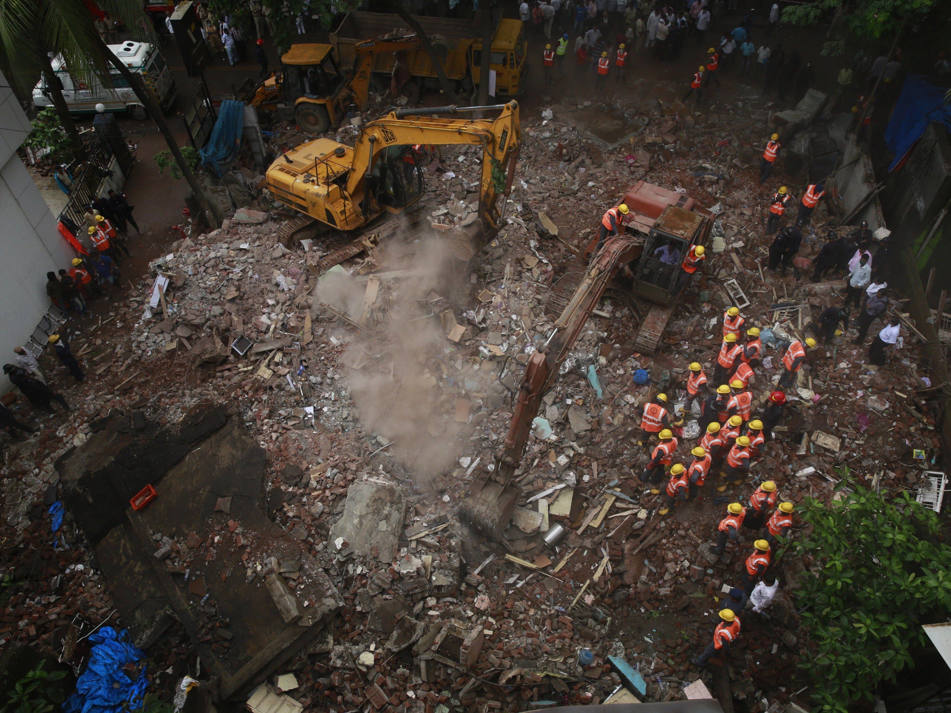 Zwölf Menschen starben in den Trümmern, mindestens sieben wurden verletzt.