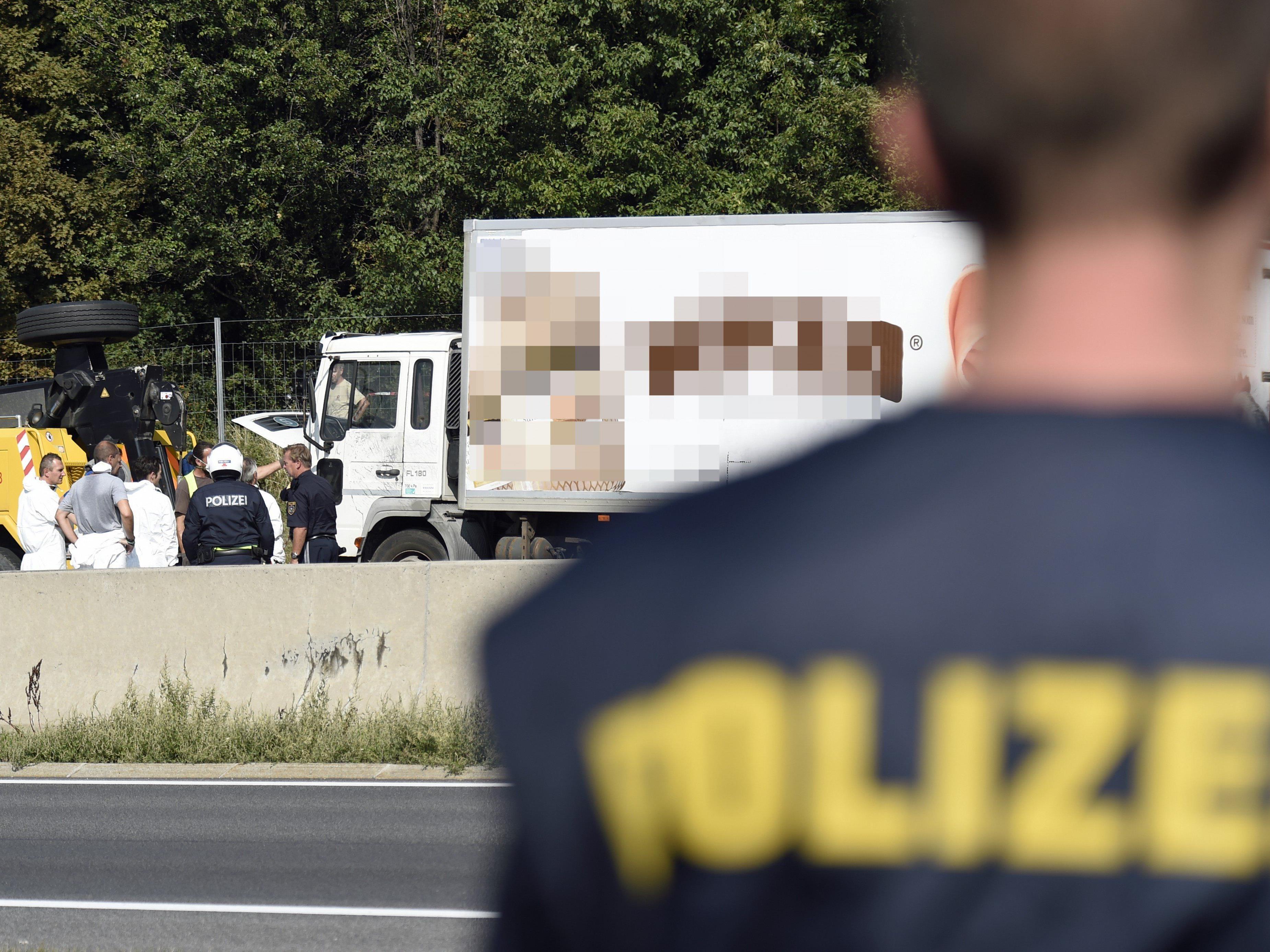 In Ungarn wurden drei Verdächtige nach dem Flüchtlingsdrama auf der A4 festgenommen.