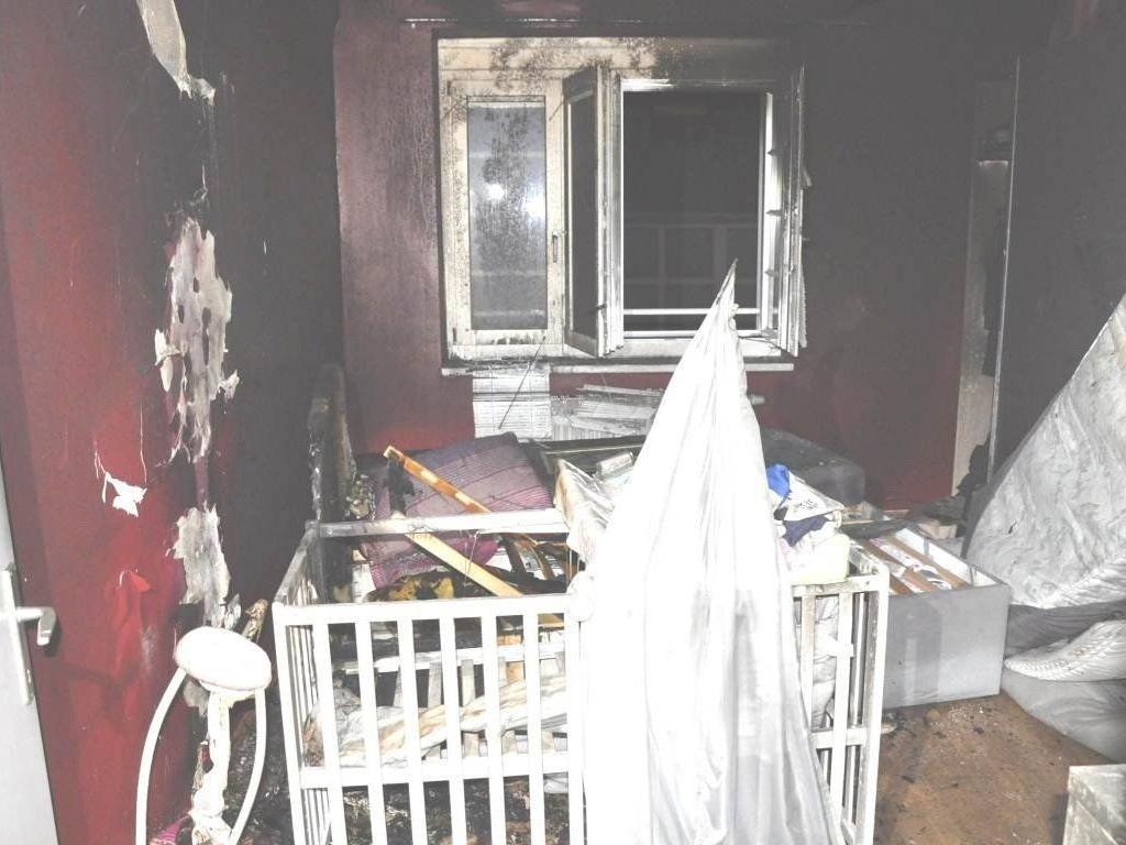 Der Brand in der Wiener Wohnung endete für Mutter und Tochter glimpflich.