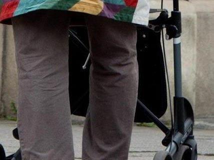Eine 93-Jährige wurde in Wien-Währing attackiert.
