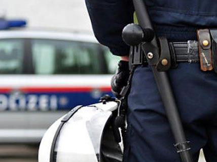 Festnahme durch Beamte der Einsatzgruppe zur Bekämpfung der Straßenkriminalität