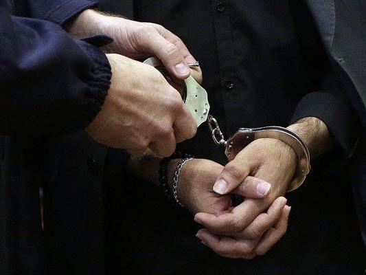 Minuten nach dem Coup wurde der Bankräuber gefasst